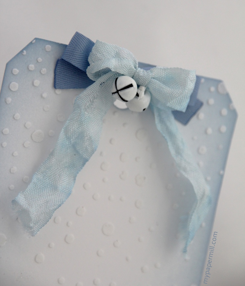 blå tag sløyfedetalj